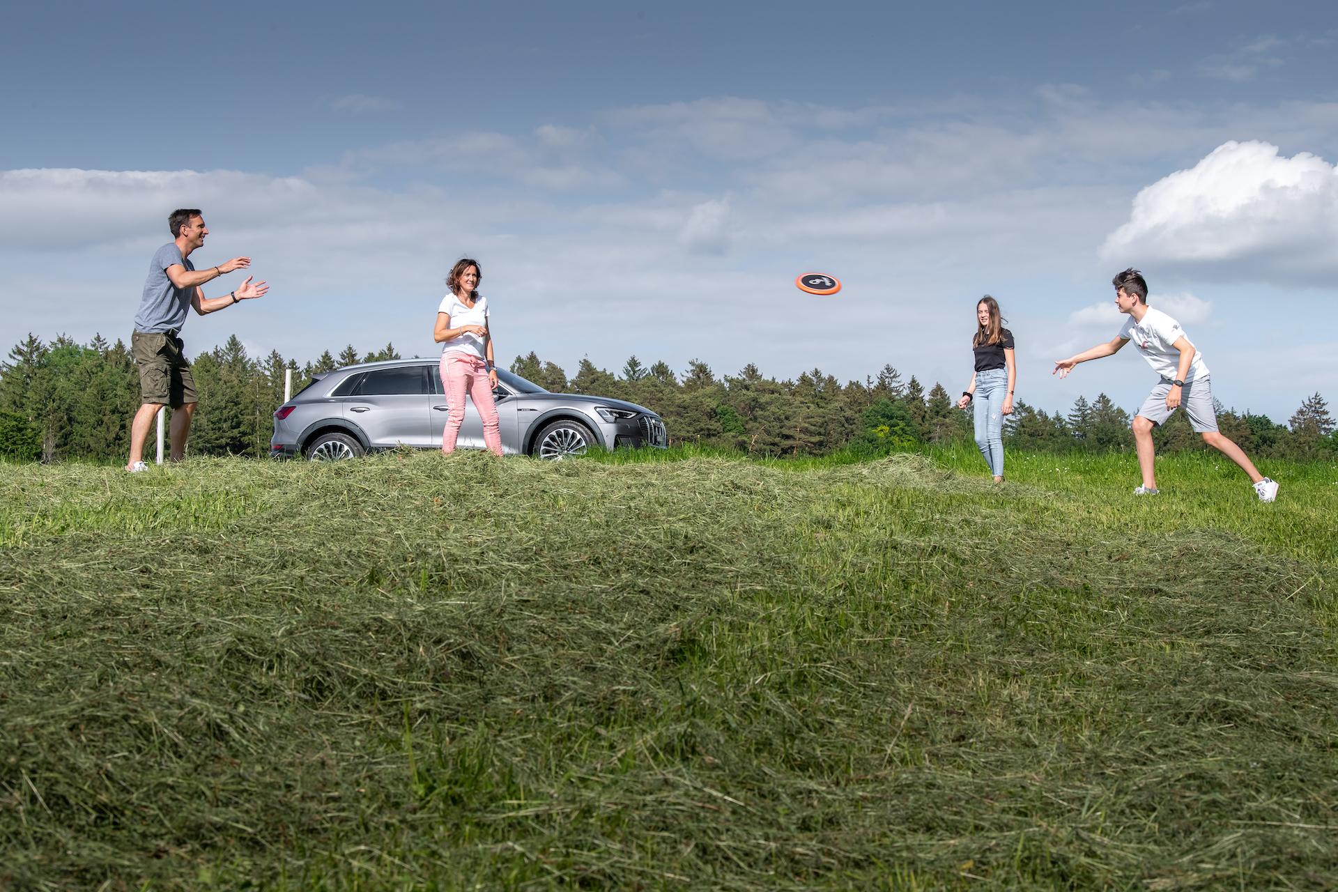 La famille Mandioni: Nadir, Nicole, Vanessa et Alessio. (Tom Lüthi)