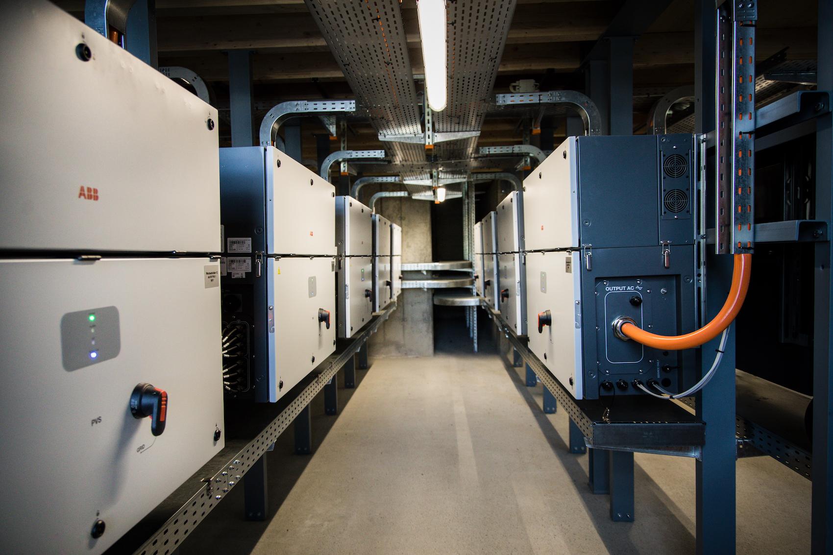 Über 500 Kilometer Kabel wurden beim Bau der Anlage verlegt.