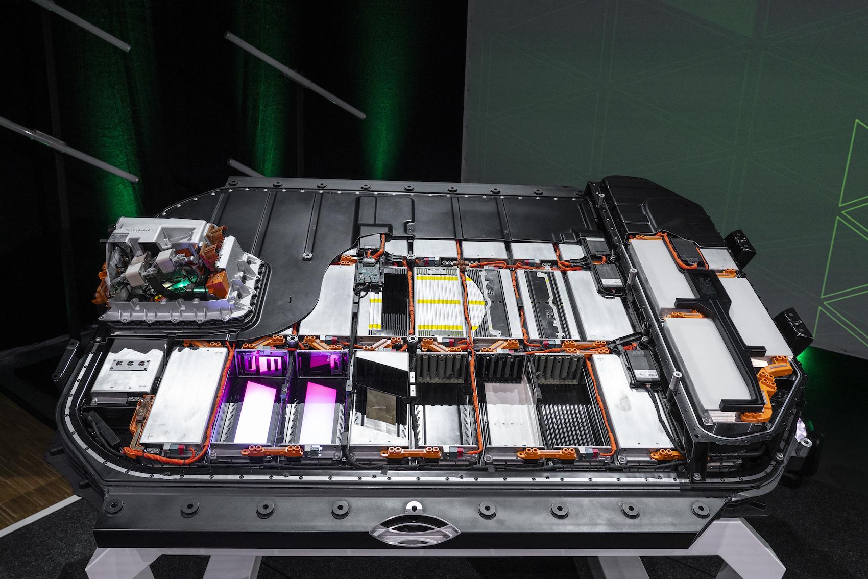 Schnittmodell einer Batterie des Audi e-tron. (AUDI)